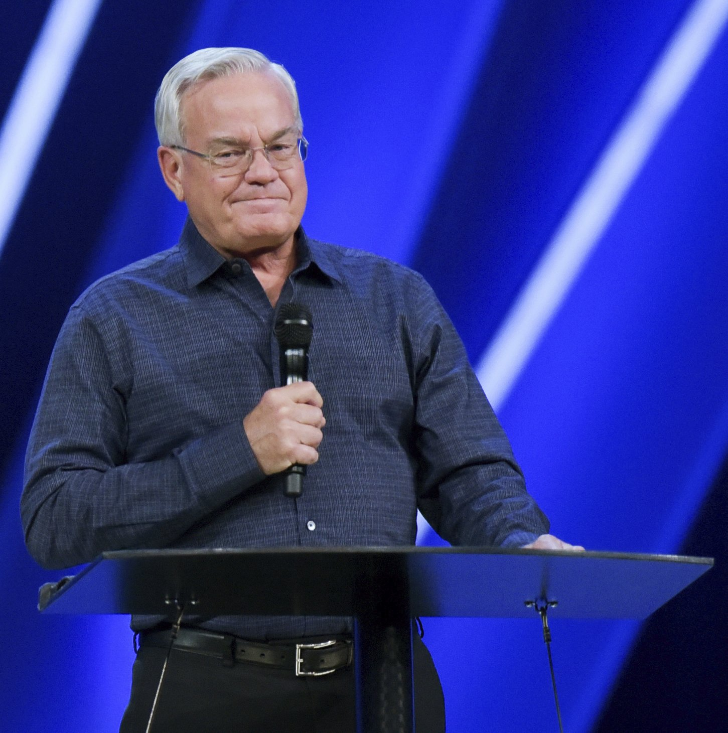 Megachurch founder quits amid sexual misconduct allegations