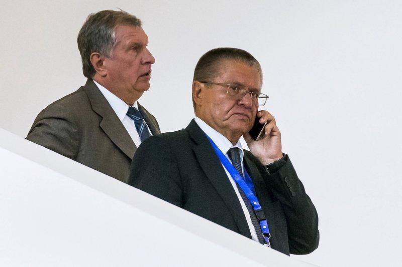 Igor Sechin, Alexei Ulyukayev