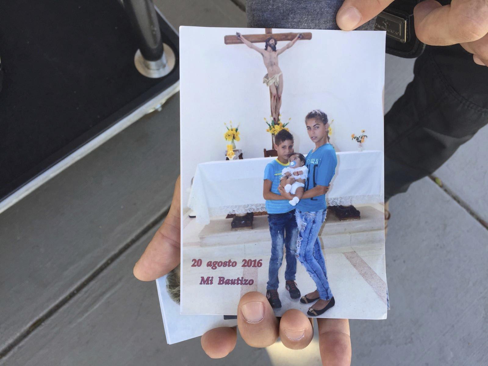 """Cubanos lamentan fin de política """"pies mojados, pies secos"""""""