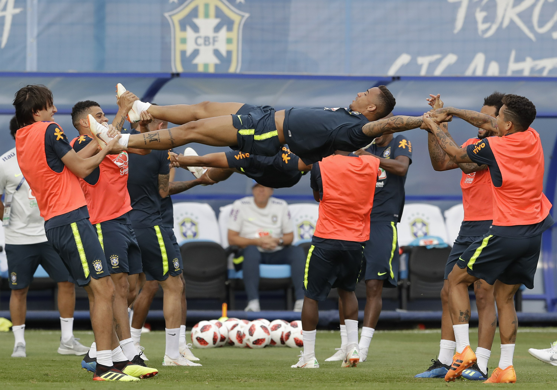 Belgium's high scorers take on Brazil's miserly defense
