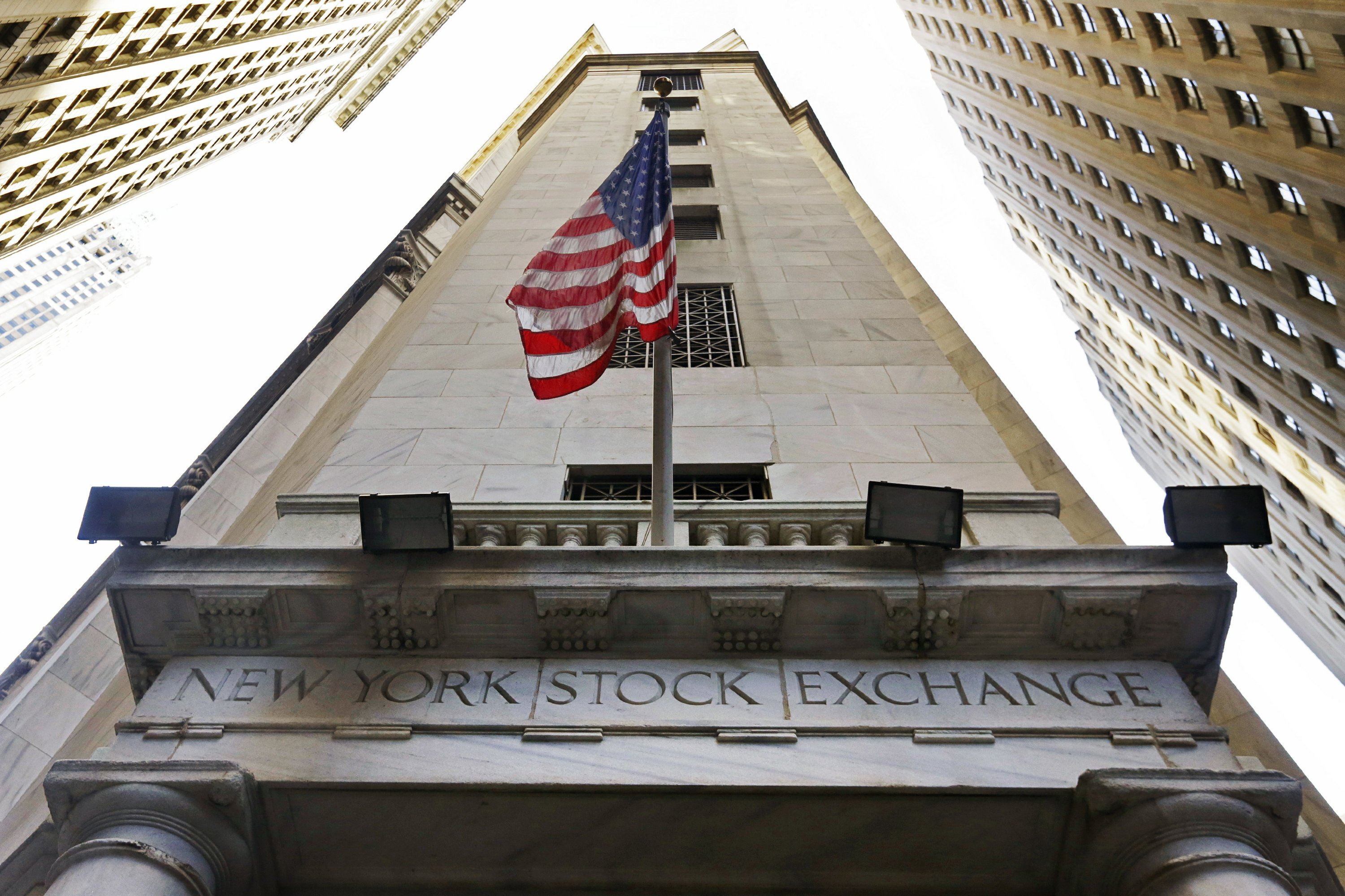 US stocks rise as investors cheer August jobs report