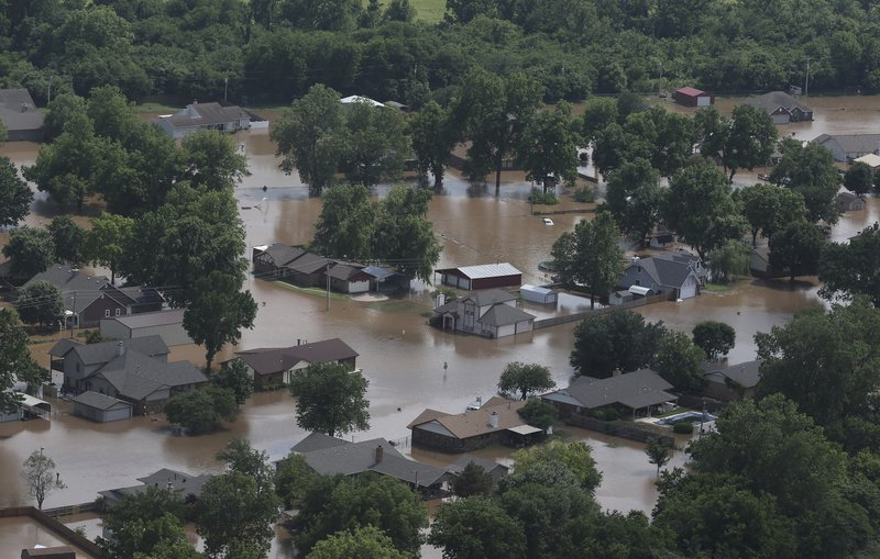 b661c3aeb Bodies in submerged Missouri vehicle bring storm toll to 9