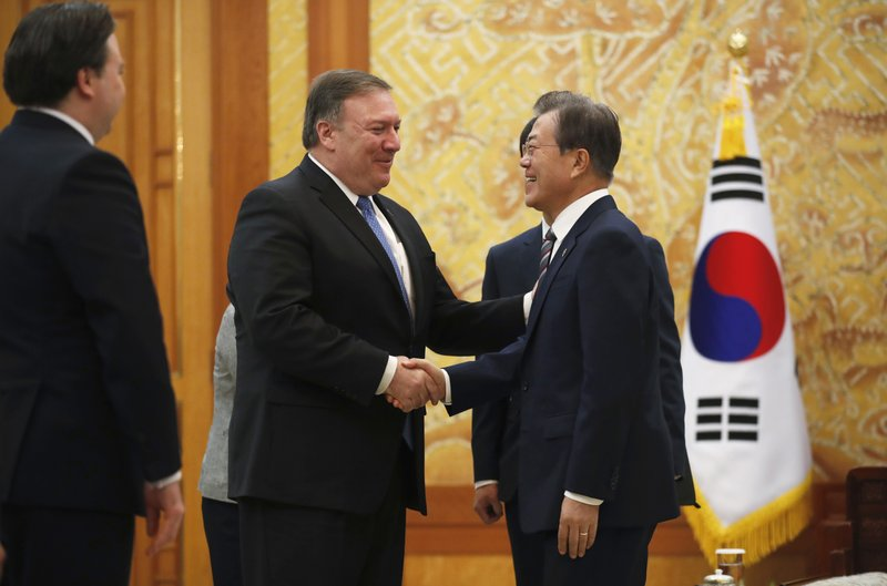 Mike Pompeo, Moon Jae-in
