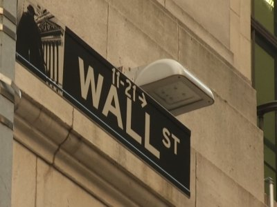 Wall Street Reacts to Market Plunge