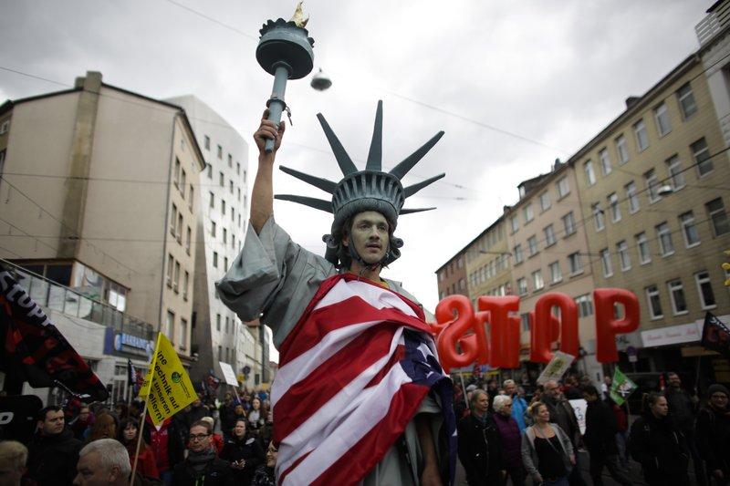 France wants halt to 'imbalanced' EU-US trade deal talks