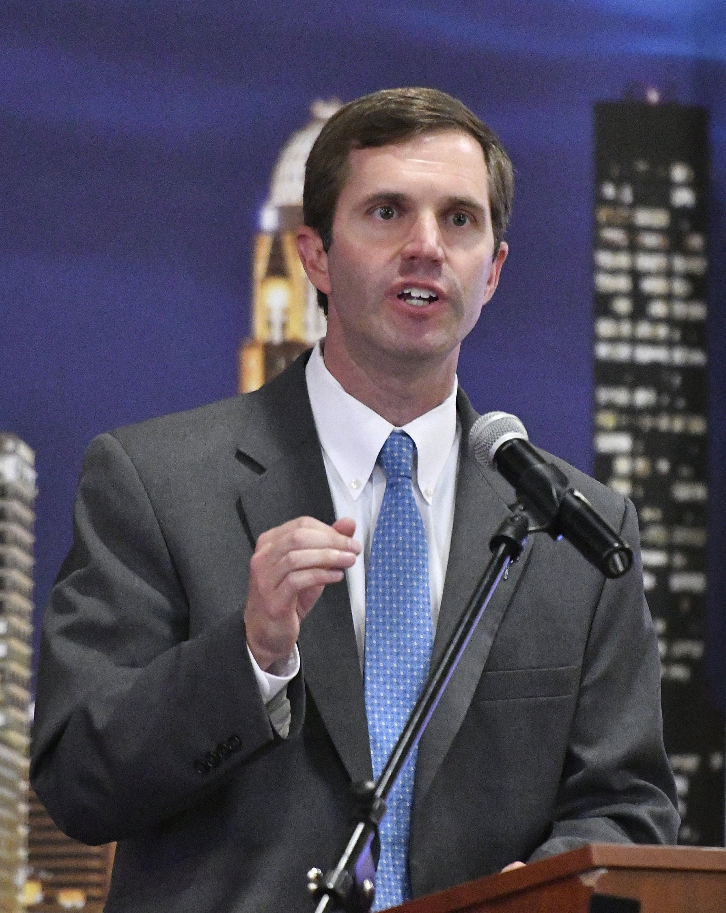 Andy Beshear touts expanded ga...