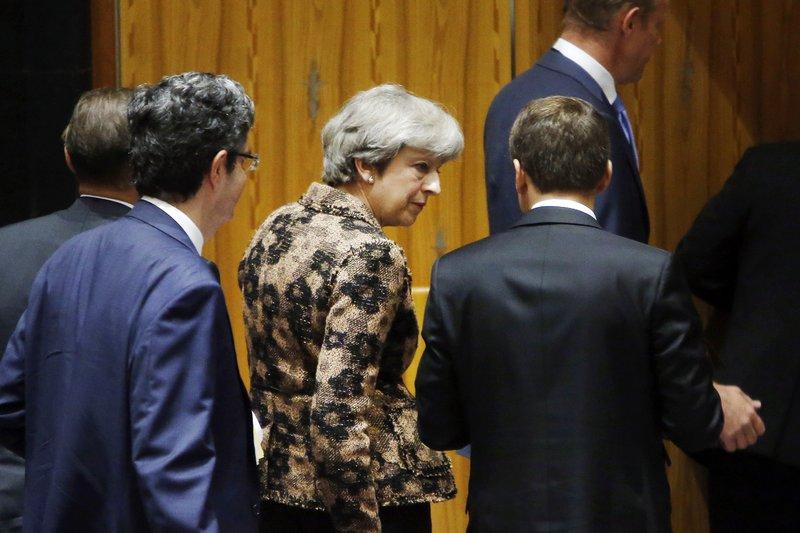 Theresa May, Emmanuel Macron