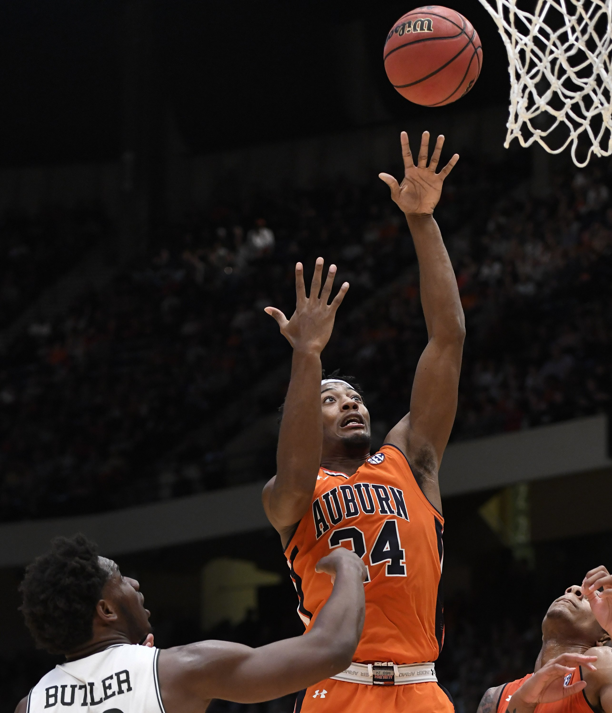 No. 8 Auburn outlasts UAB 75-71 in overtime