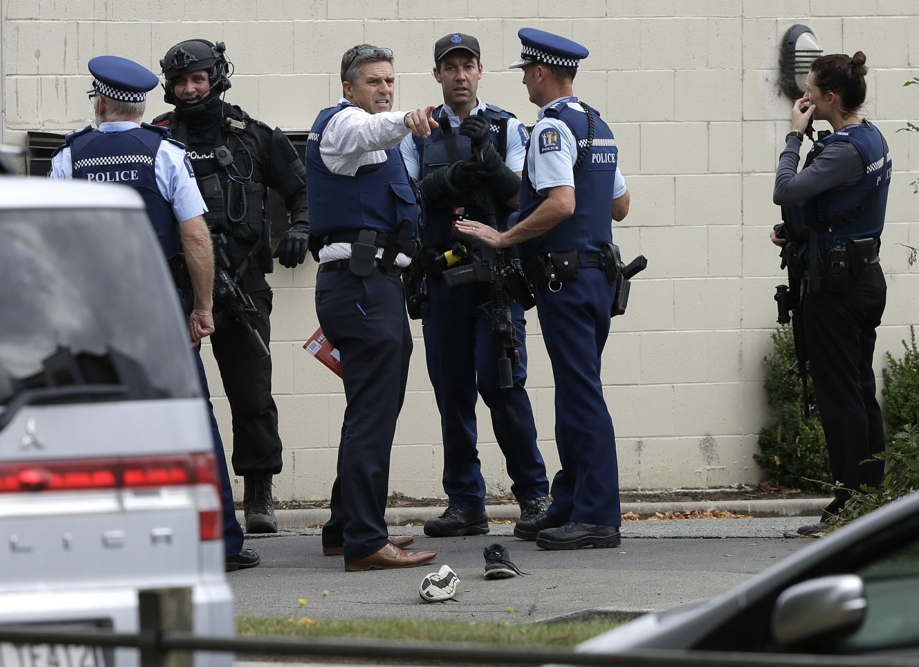 Nz Shooter Detail: Timeline Of Police Response To New Zealand Mosque Attacks