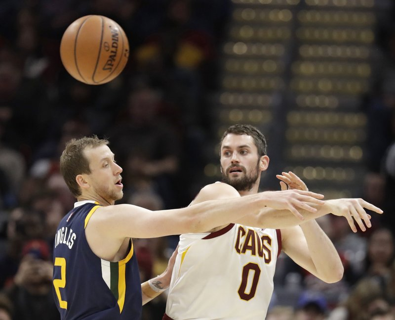 Joe Ingles, Kevin Love