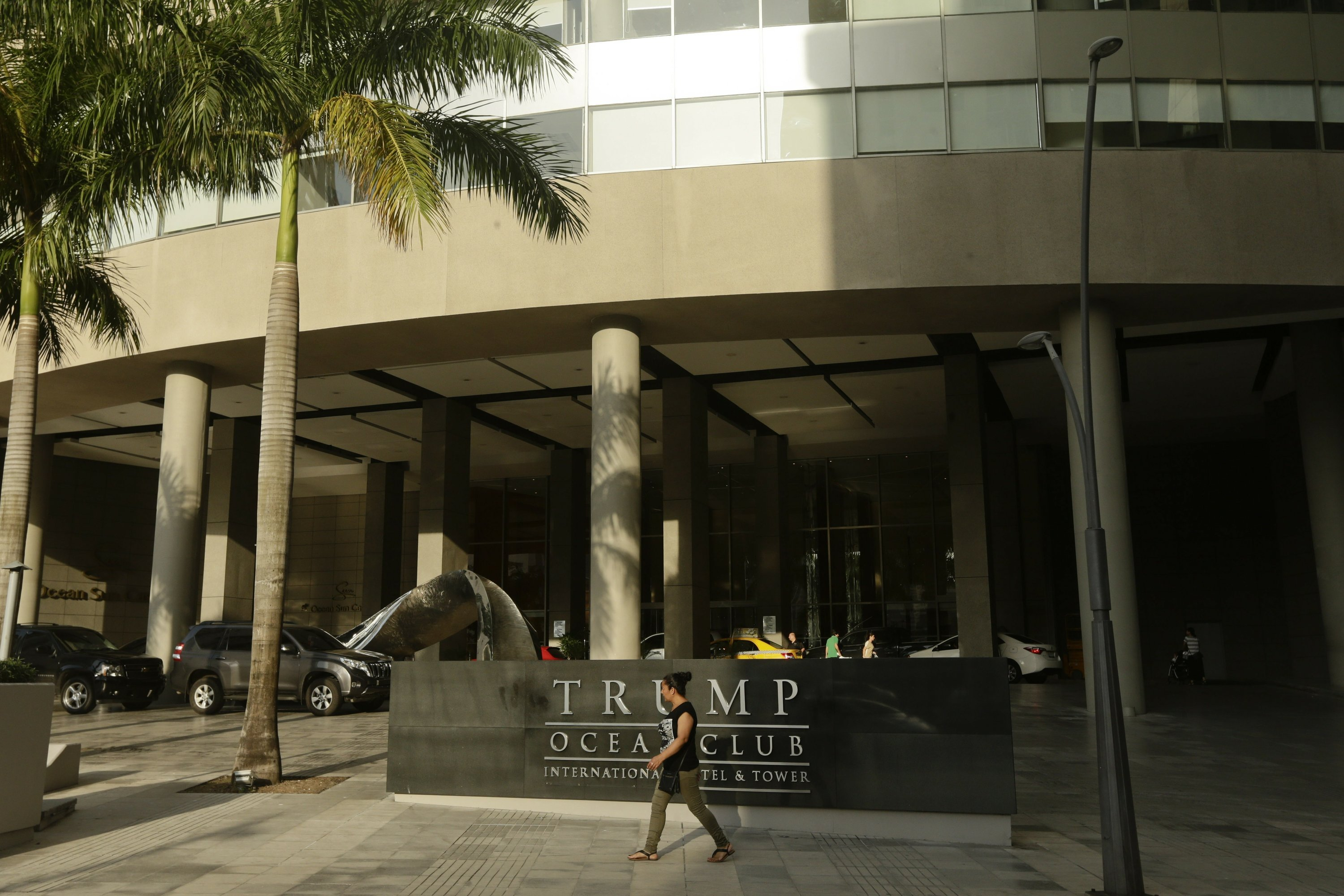 Trump officials fight eviction from Panama hotel they manage