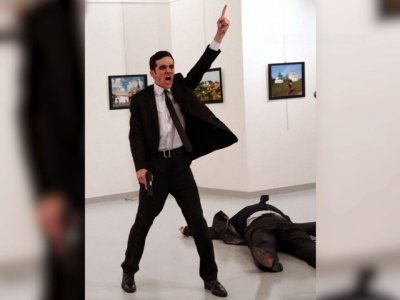 AP Photog Wins Top Prize for Assassination Photo