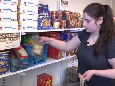 As Costs Rise, Colleges Open Food Pantries