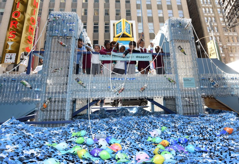 ADDING MULTIMEDIA Dopper Foundation and National Geographic Encounter Unveil a Replica of the Brooklyn Bridge in Times Square Made with 5,000 Single-Use Plastic Water Bottles