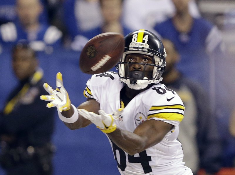 22beaf76e Brown scores 3 TDs for Steelers in 28-7 win over Colts