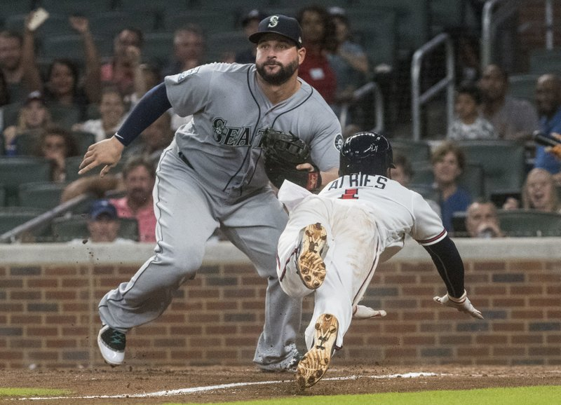 Ozzie Albies, Yonder Alonso