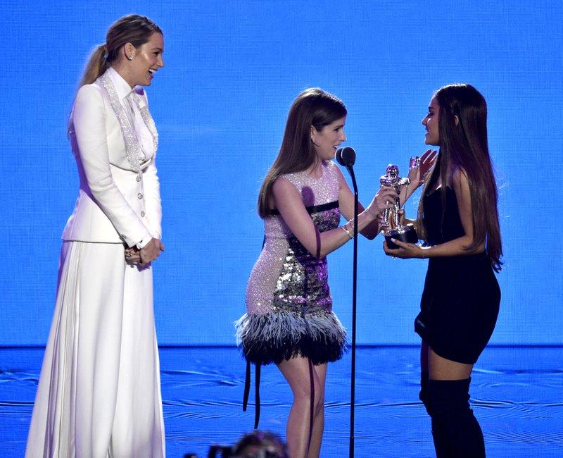 Blake Lively, Anna Kendrick, Ariana Grande