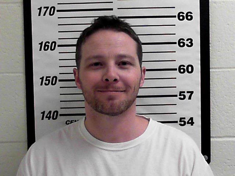Utah vet confessed to sending ricin envelopes, officials say