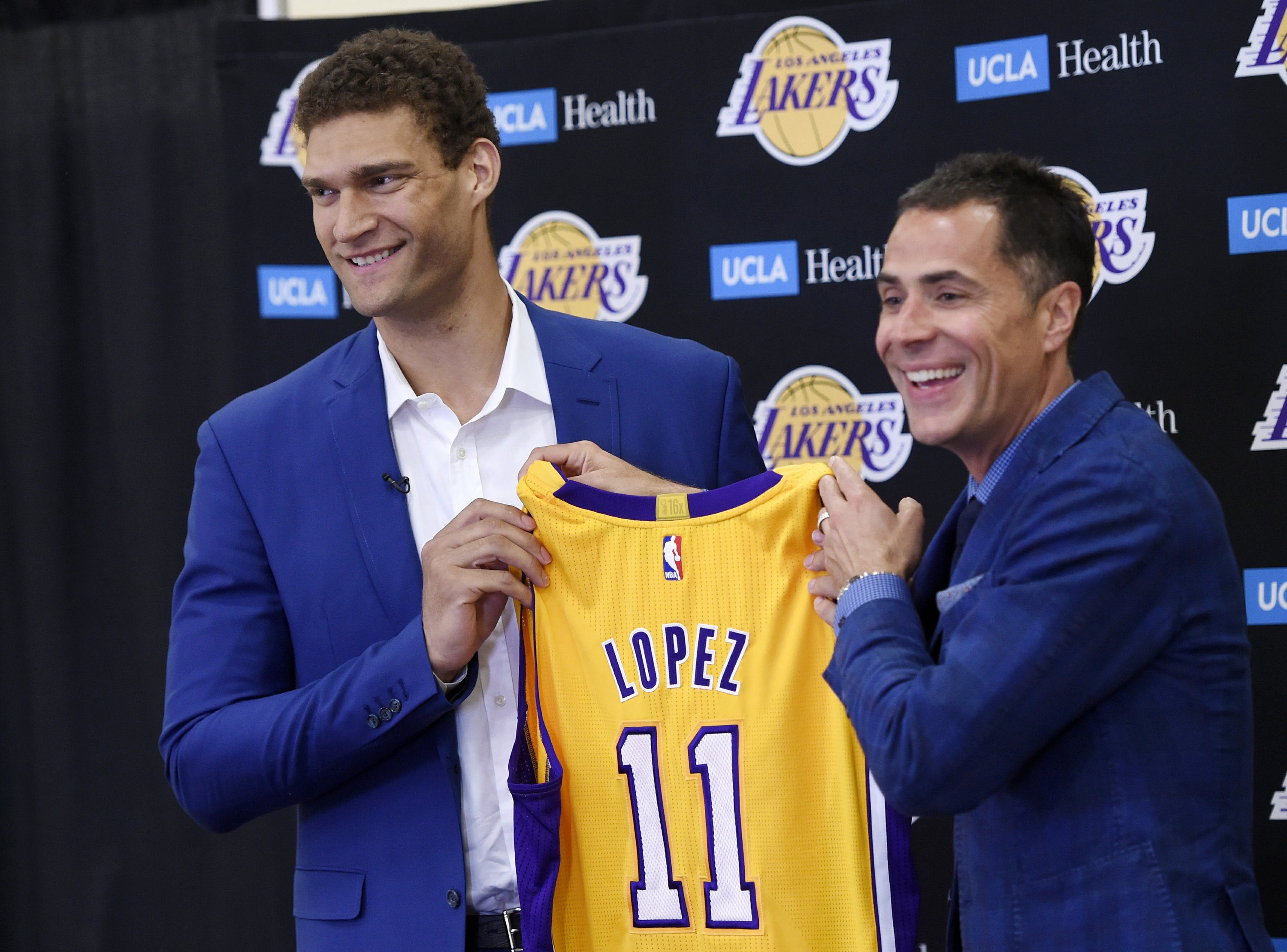 Brook Lopez is eager to mentor young Lakers, shoot more 3's