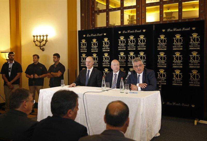 Jason Greenblatt, Tzachi Hanegbi, Mazen Ghoneim