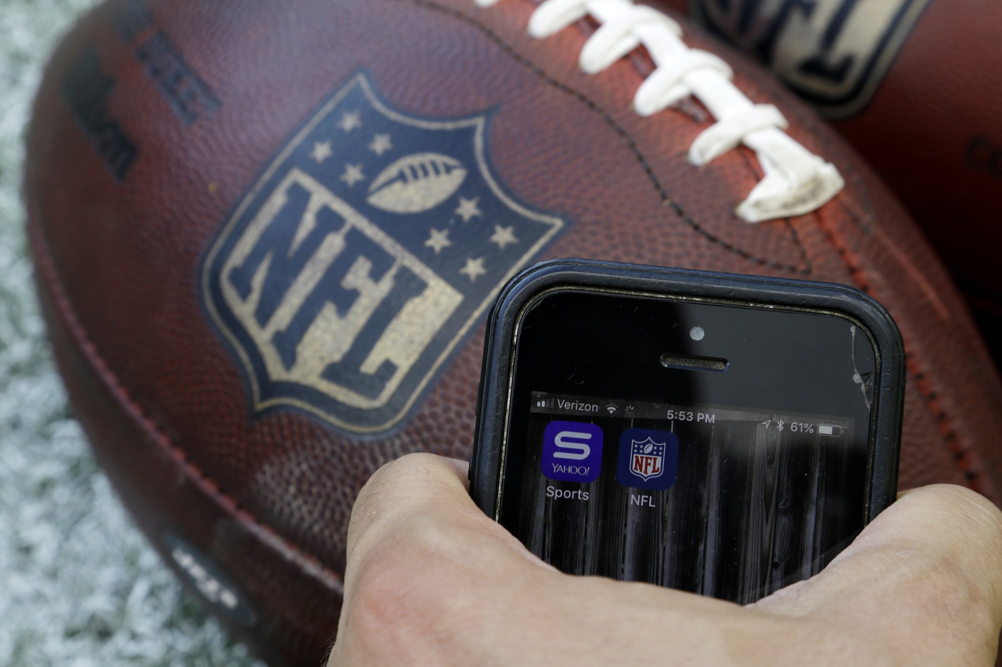 Fans rejoice: Subscription-free streaming for NFL games