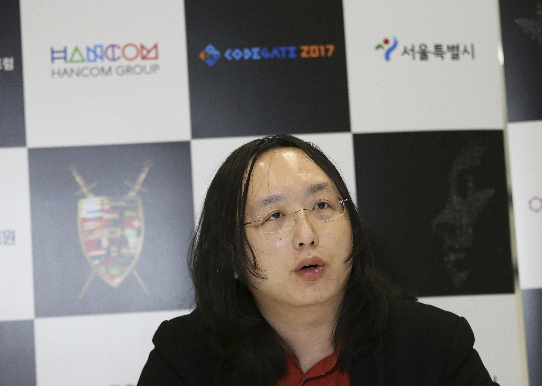 "Taiwan's ""hacker minister"" reshaping digital democracy"