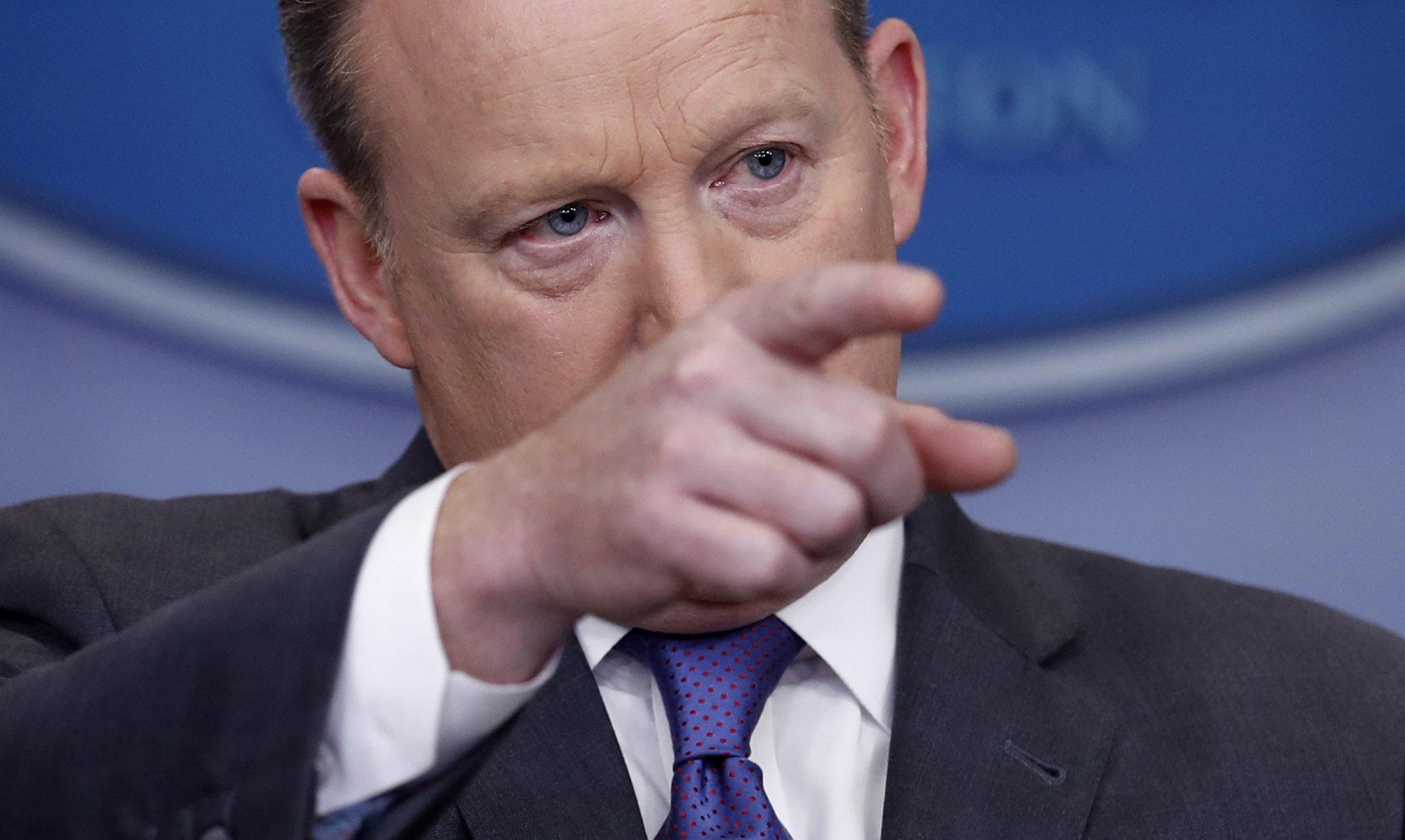 Diplomats defy White House warning, criticize travel ban