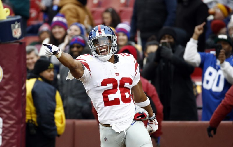 24e3c226a18 Giants RB Saquon Barkley looking for lead NFL in rushing