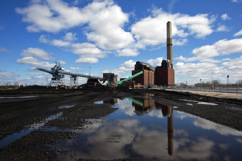Report: Coal's tipping point near, but climate goals are not