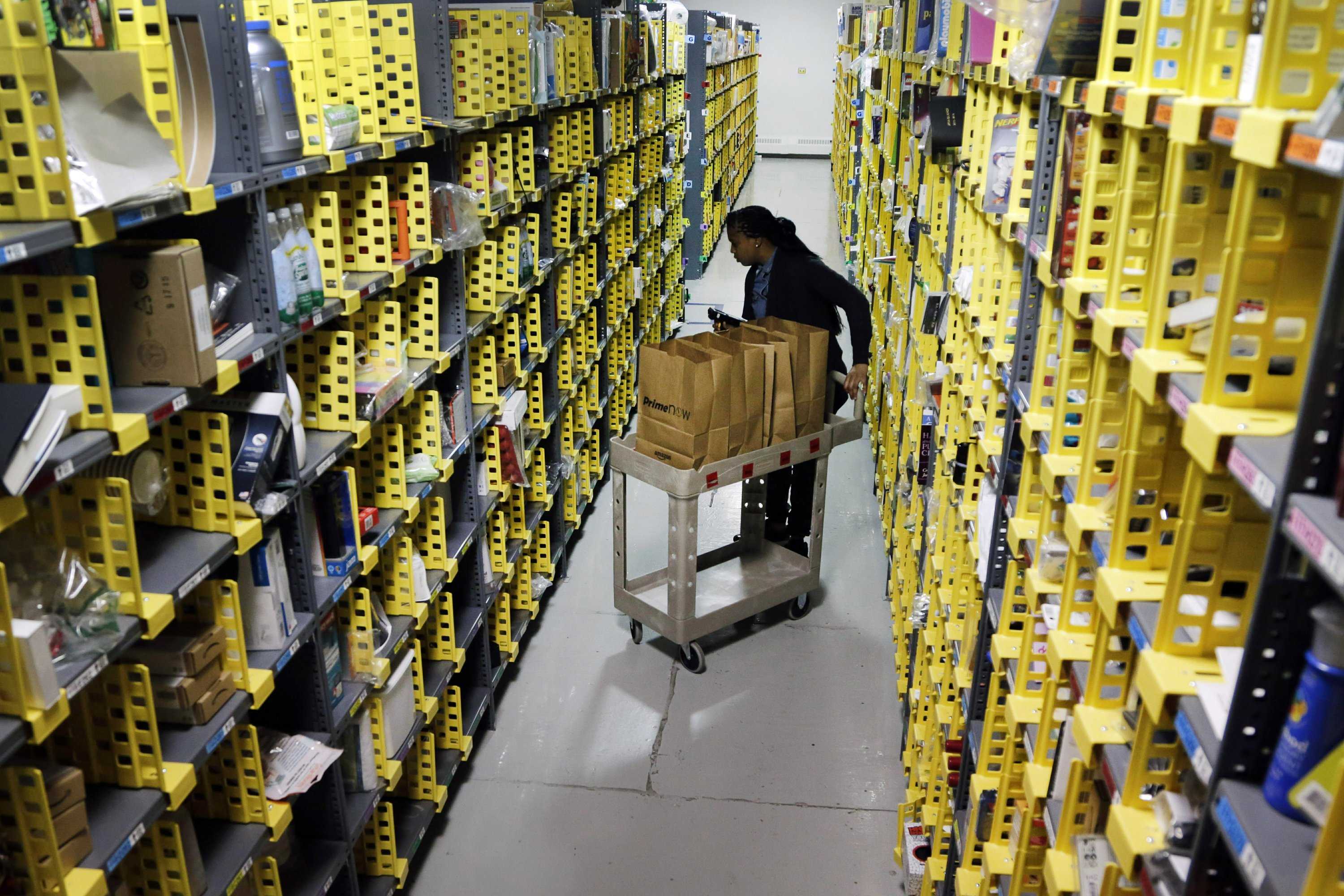 Shoppers Take To Their Phones For Cyber Monday Deals