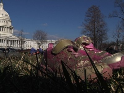 Gun Violence Memorial Displays Shoes on Capitol