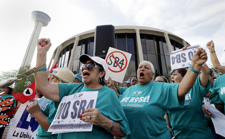 Court strikes down Trump push to cut 'sanctuary city' funds