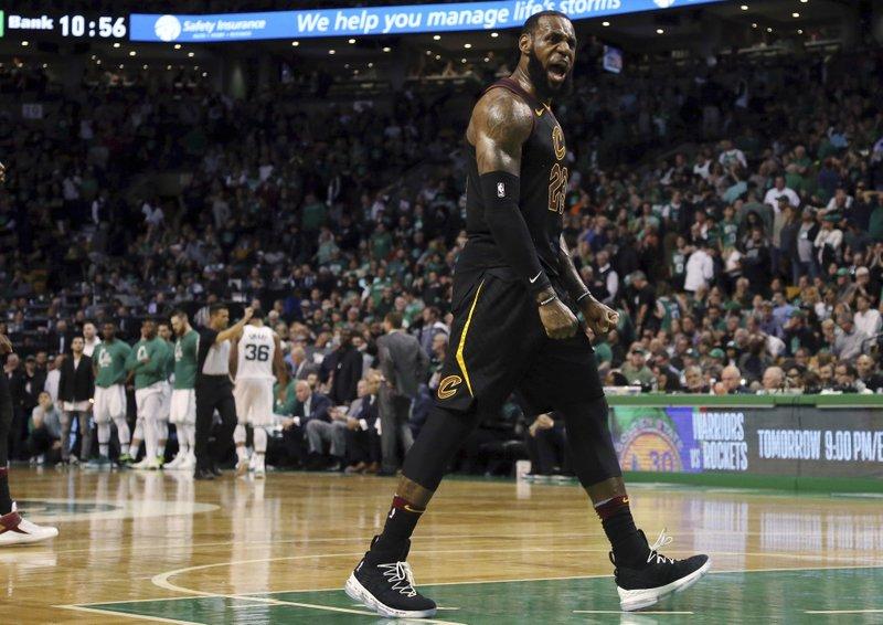 los angeles 1cf45 08625 LeBron s 35 help Cavs beat Celtics 87-79, reach NBA Finals