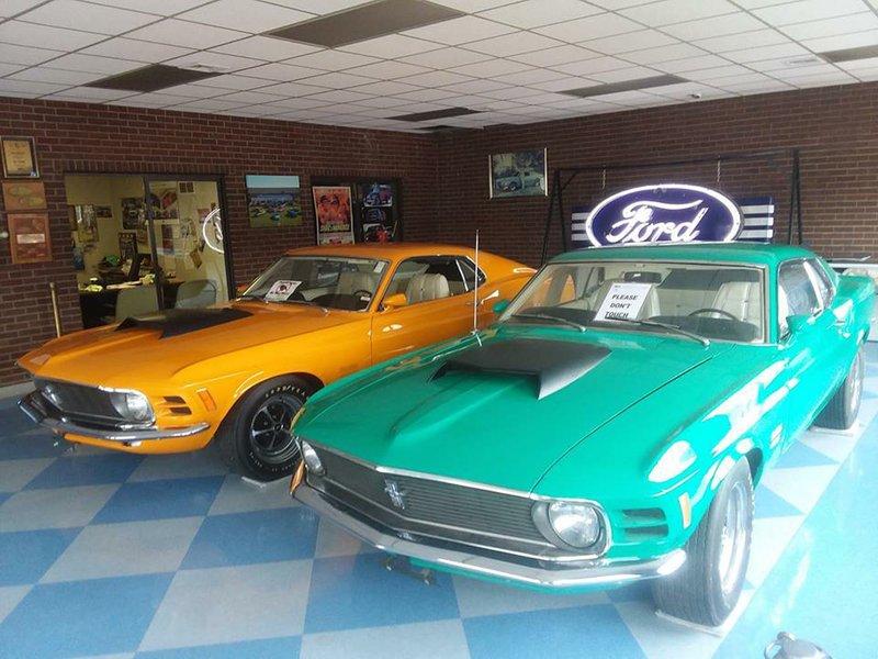 Boss Mustangs