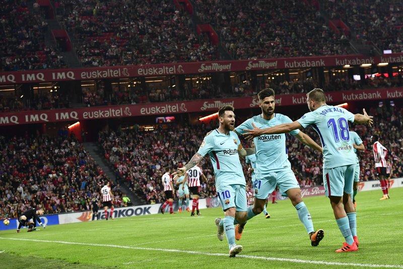 Lionel Messi, Andres Gomes, Jordi Alba