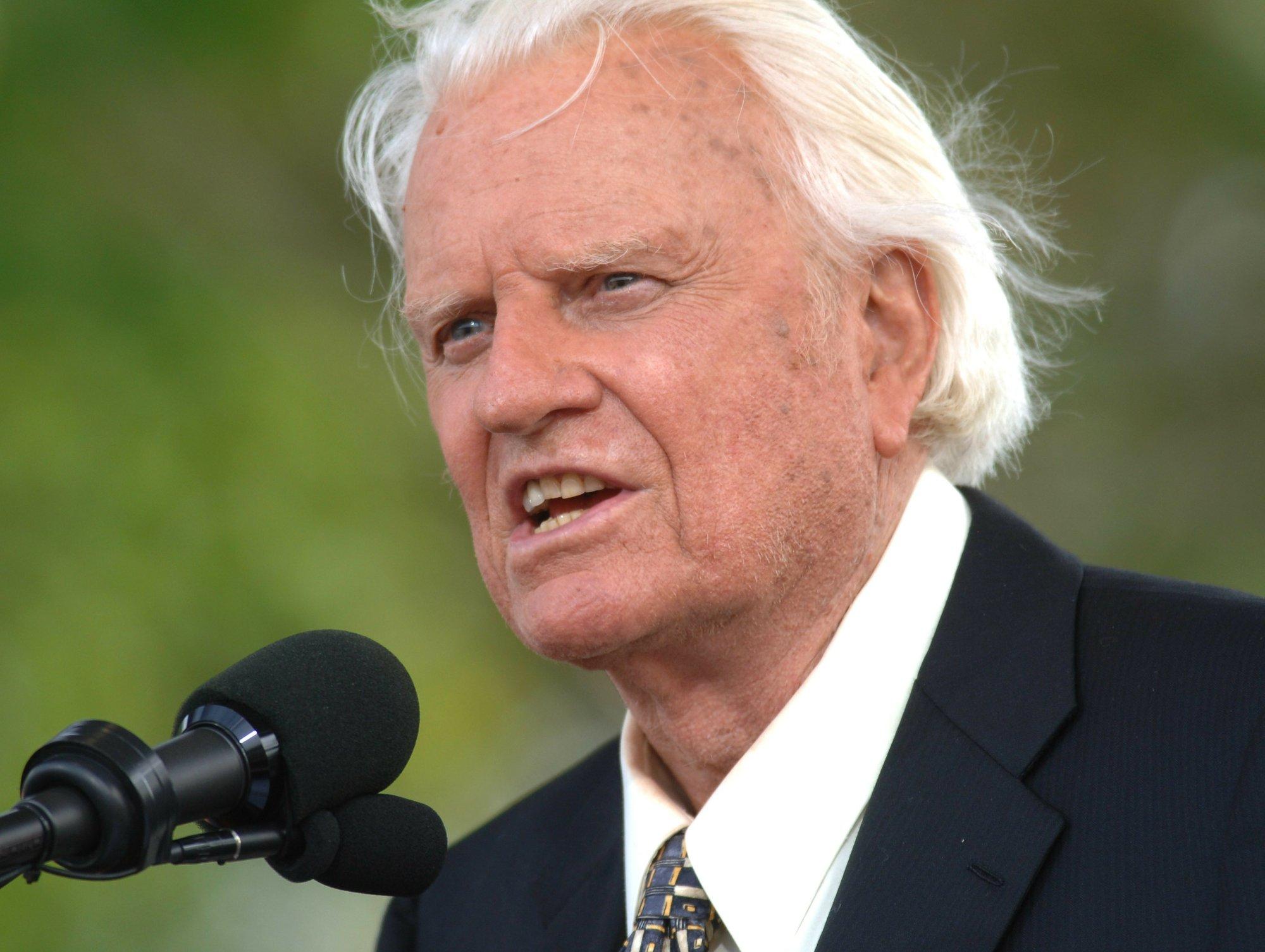 Rev  Billy Graham, known as 'America's Pastor,' dies at 99