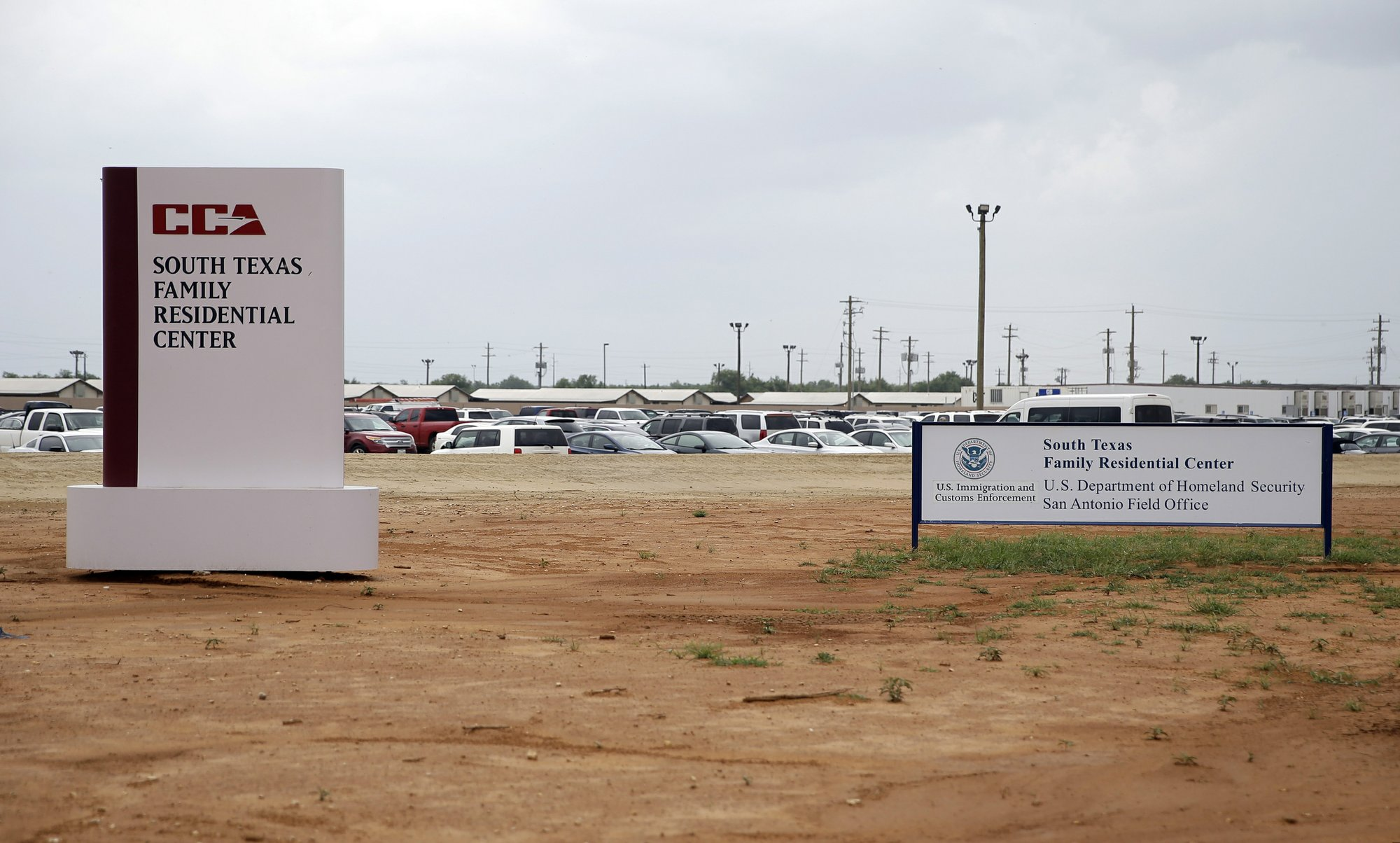 Migrant mom sues over toddler's death after detention
