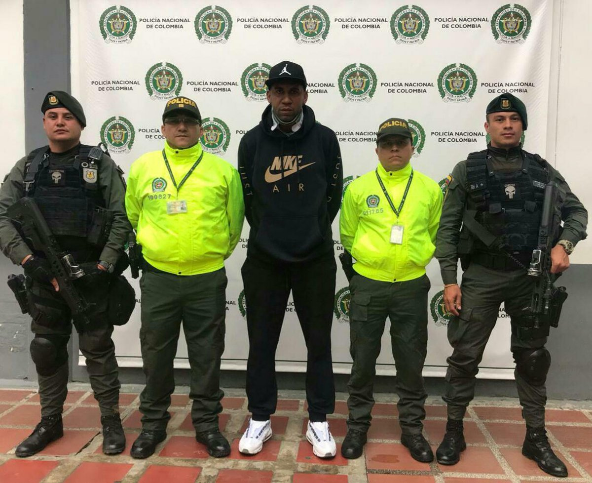 Ex Colombia soccer star arrested for drug shipments