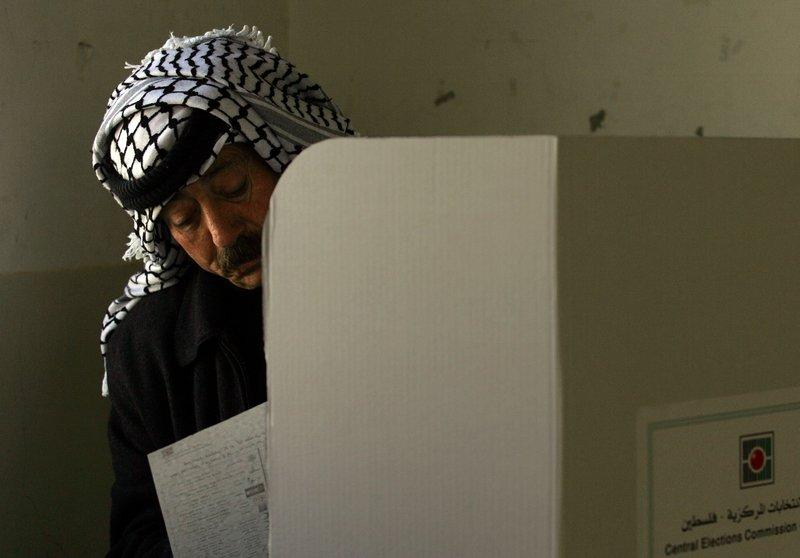 Líderes israelíes y palestinos aceptan reunirse en Moscú