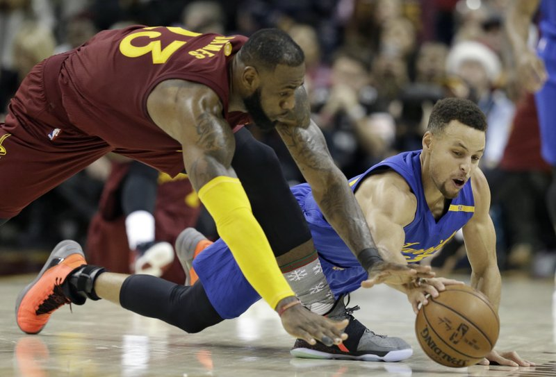 1dd757539c39 Irving clutch against Warriors again as Cavs win 109-108