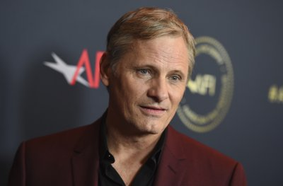caf500fff36a LOS ANGELES (AP) — The wine was flowing and the atmosphere relaxed Friday  at the American Film Institute Awards
