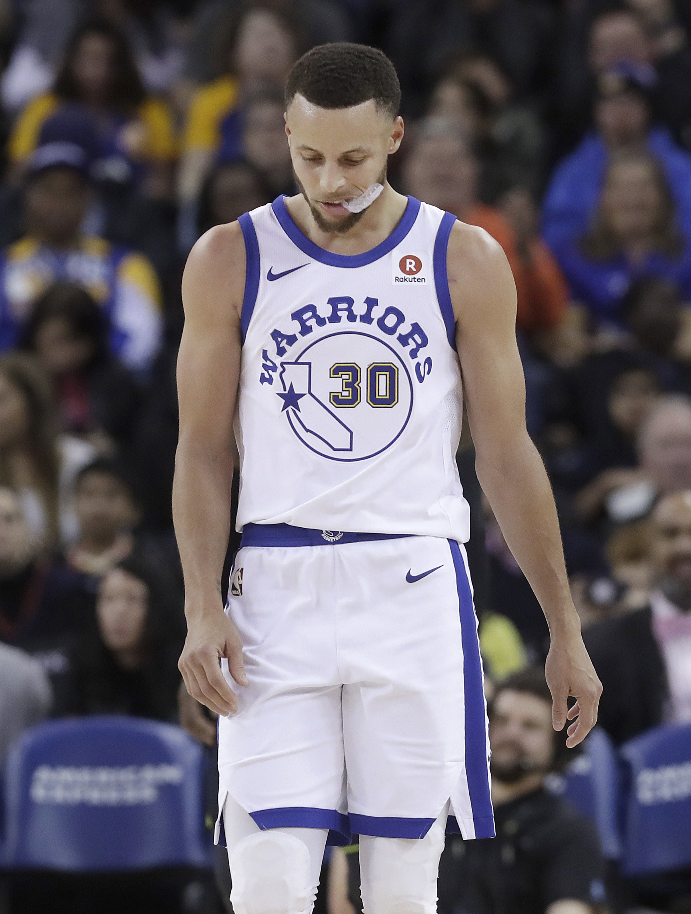 a90bf018fd3a Curry out at least 3 weeks but could be ready for playoffs