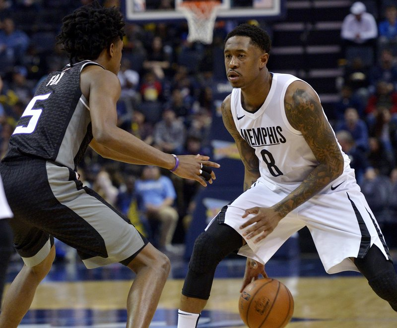 MarShon Brooks, De'Aaron Fox