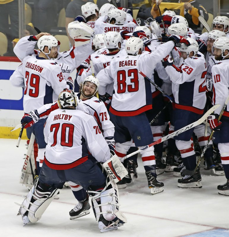 3391bf92921 Capitals beat Penguins in OT to advance to conference finals