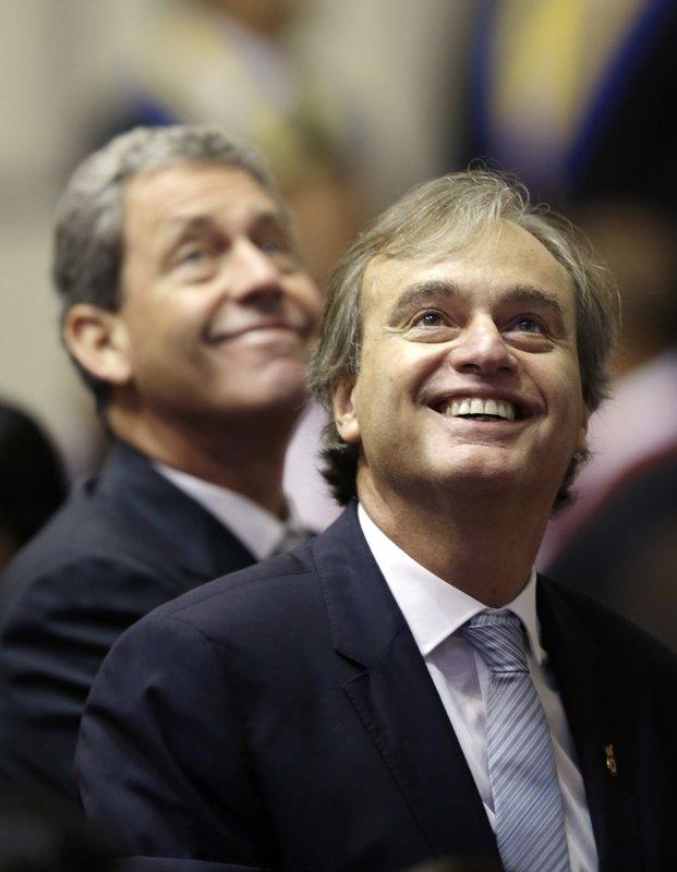 CARLOS BASOMBRIO, ALFREDO THORNE
