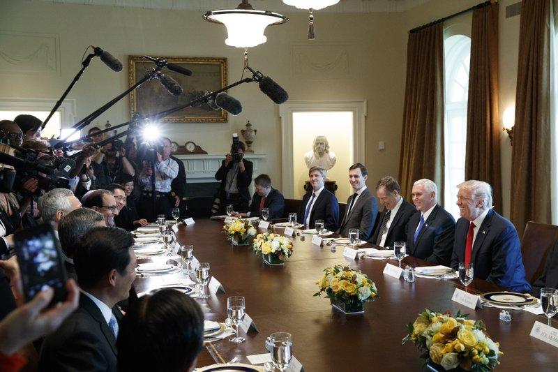 Donald Trump, Lee Hsien Loong