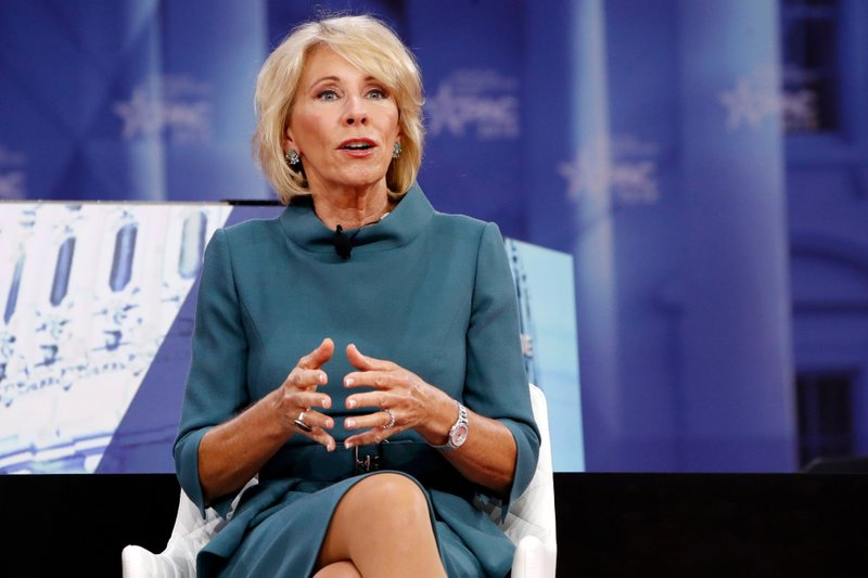 Despite What Devos Wants You To Believe >> For Profit Colleges Struggle Despite Assist From Devos