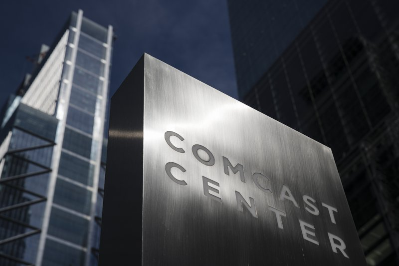 Comcast loses cable users, but internet subscribers surge