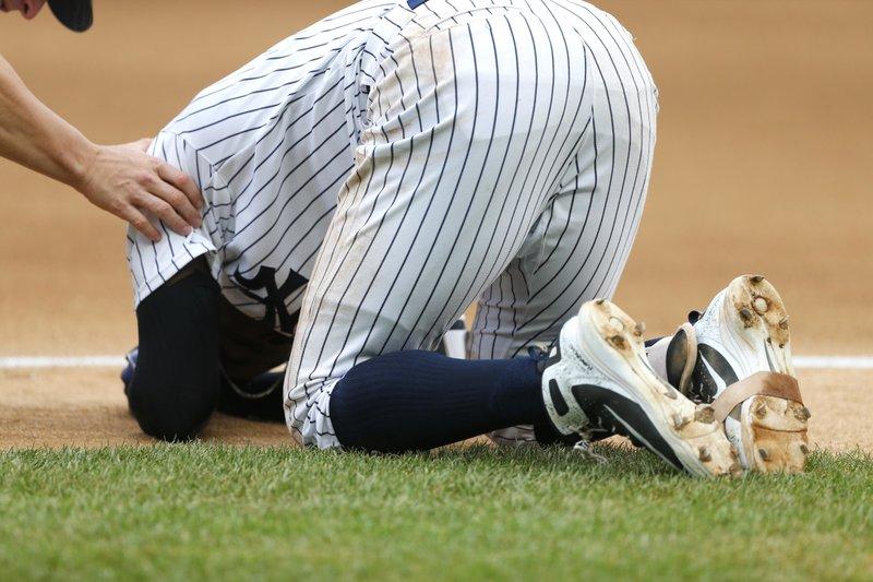 Yankees Ss Didi Gregorius Goes On Dl With Bruised Heel