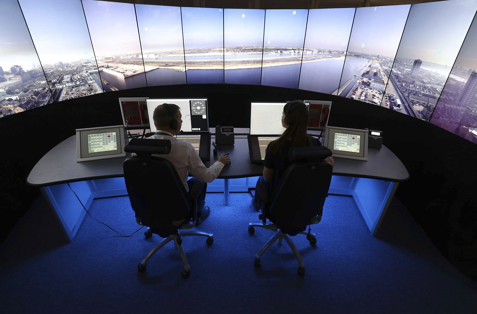Britain set to break flight record amid summer getaway